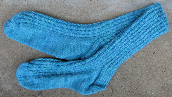 21a Little Cable Socks
