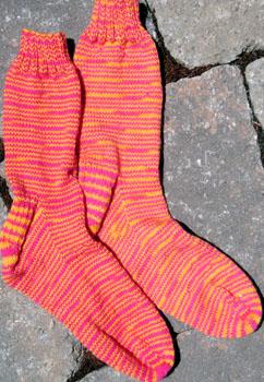027_sassy_stripe_socks