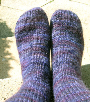 Simple Sock Knitting Patterns Beginner : BEGINNER KNIT PATTERN SOCKS Easy Knit Patterns