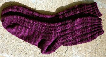 060a_pebbile_rib_socks