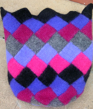 31b_entrelac_tote_felted