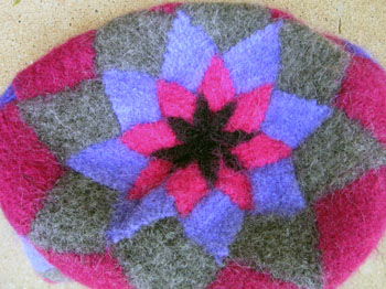 31c_entrelac_tote_felted_bottom