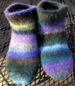 Fuzzy_feet_felted
